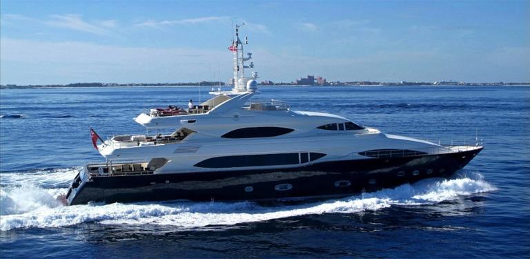 128 40m メガヨット
