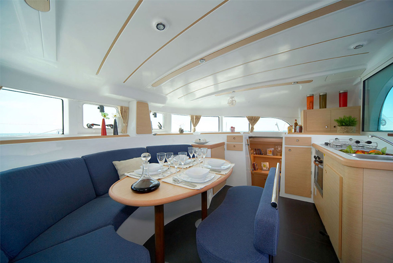 VOILIERS 380galley